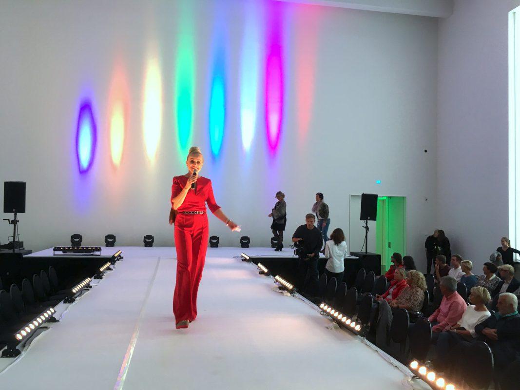 Moderatorin Diana Schell am Fashion Day in Schweinfurt. Foto: Meliz Kaya