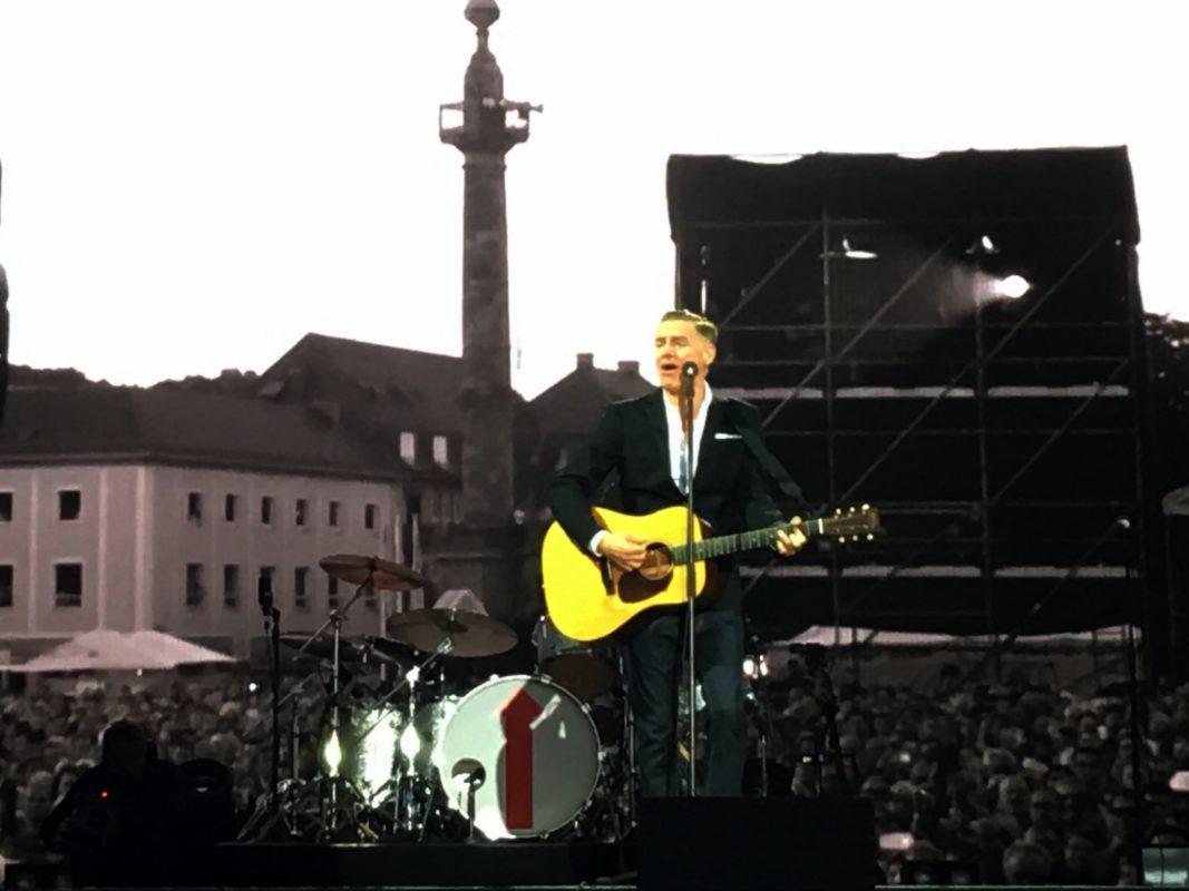 Auch mit mittlerweile 57 Jahren noch immer ein Musikgigant, Bryan Adams. Foto: Frederik Löblein