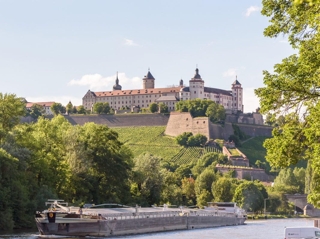 Aussicht auf Festung Marienberg und Main. Foto: Pascal Höfig
