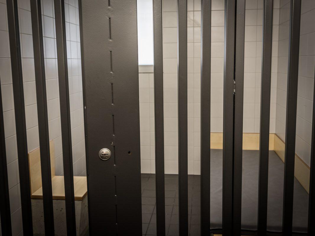 Haftraum in der Polizeiinspektion. Foto: Pascal Höfig